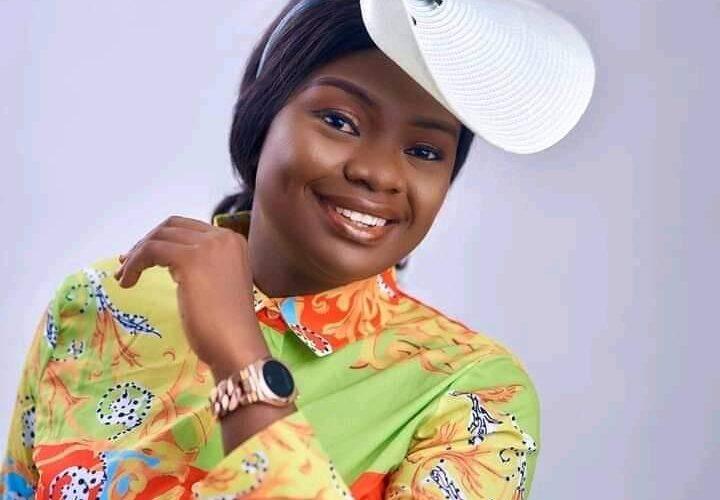 #Oniduromi: Adeyinka Alaseyori breaks silence after criticism from Tope Alabi